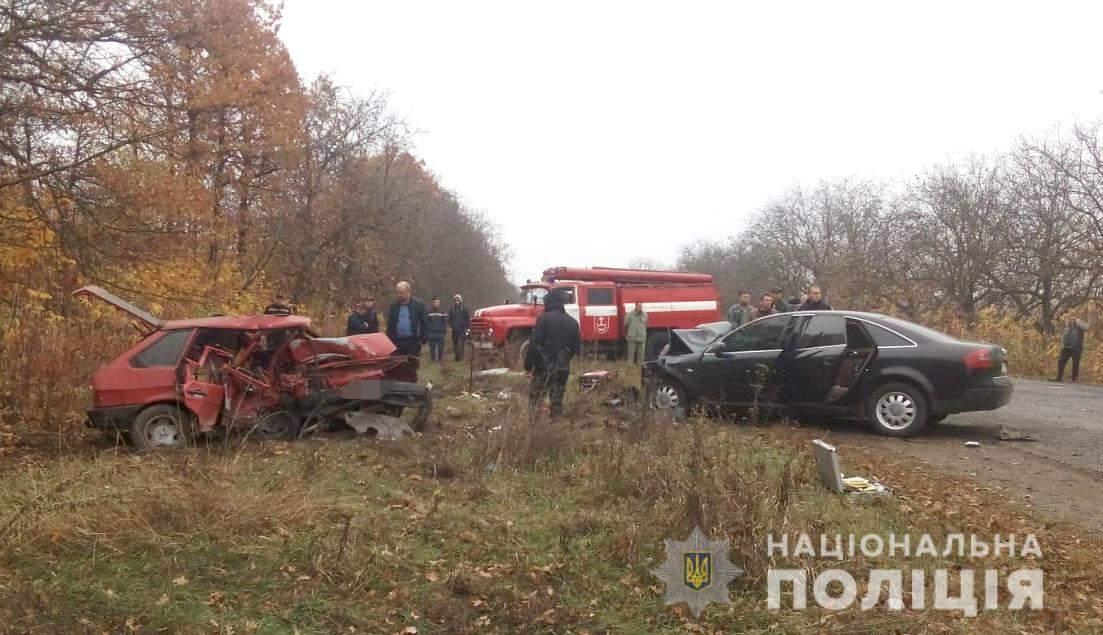 Новини Вінниці / Троє людей загинуло в ДТП на Вінниччині: ВАЗ протаранив Audi А6 (ФОТО)