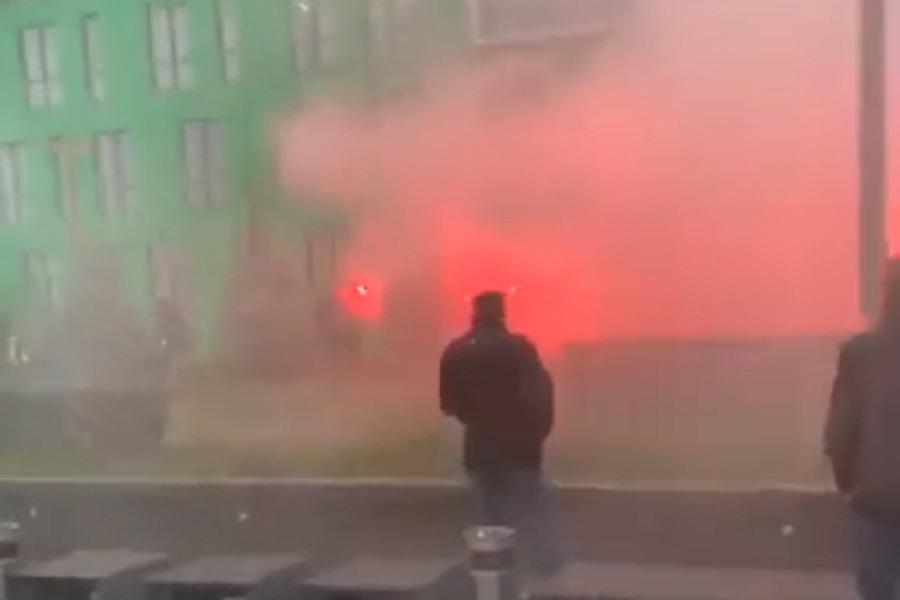 Новини Вінниці / «Рошен» у диму: у Вінниці близько сотні активістів із фаєрами провели «марш проти олігархів» (ВІДЕО)